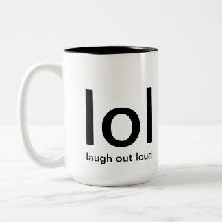 de la risa taza ruidosa hacia fuera