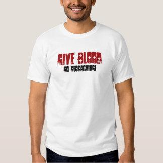 Dé la sangre camisas
