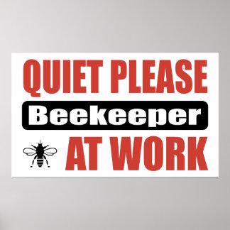 De la tranquilidad apicultor por favor en el traba posters