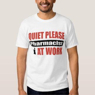 De la tranquilidad farmacéutico por favor en el playera