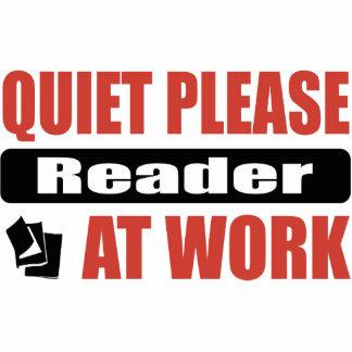De la tranquilidad lector por favor en el trabajo escultura fotográfica