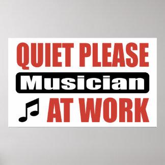 De la tranquilidad músico por favor en el trabajo posters