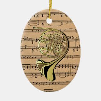 ~ de la trompa con el fondo de la partitura ornaments para arbol de navidad