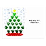 De las patas postal del árbol de navidad aquí