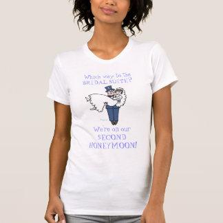 De las señoras camiseta divertida linda de la luna