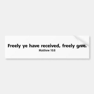Dé libremente (la versión 1) pegatina de parachoque