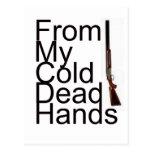 De mis manos muertas frías postal