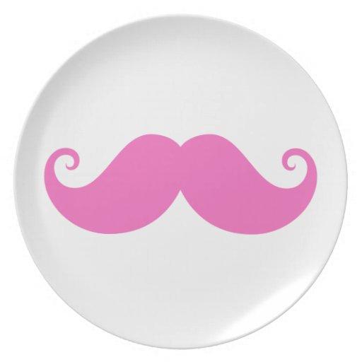 De moda lindo del bigote divertido rosado del mani plato de cena
