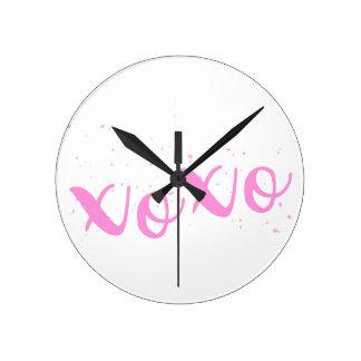 De moda xoxo-Rosado Reloj Redondo Mediano