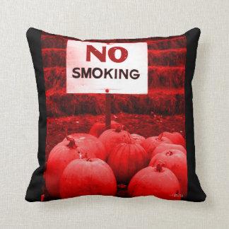 De no fumadores. Por favor Cojin