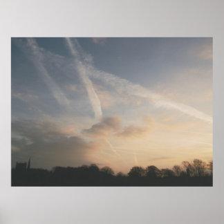 De nubes y de estelas de vapor póster