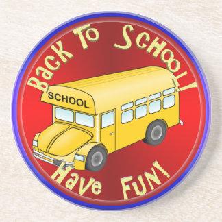 De nuevo a la diversión del autobús escolar posavasos manualidades