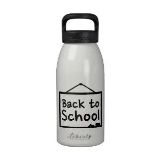 De nuevo a la pizarra de la escuela botella de agua reutilizable