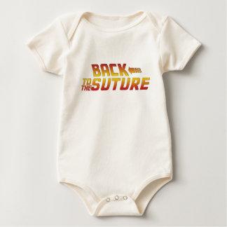 De nuevo a la sutura - consiga pronto la camiseta mamelucos