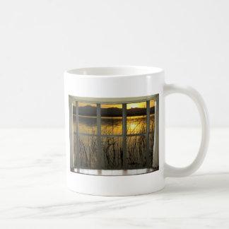 de oro-gemelo-pico-lago-ventana-vista taza
