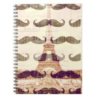 De París con el bigote Note Book