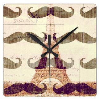 De París con el bigote Reloj Cuadrado