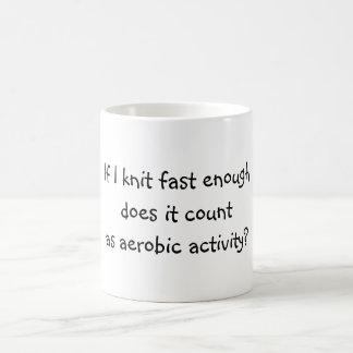 De punto rápidamente bastante taza de café