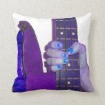 Dé sostener la guitarra baja foto azul y púrpura cojines