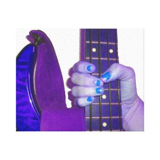 Dé sostener la guitarra baja foto azul y púrpura lienzo envuelto para galerias