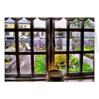 De una tarjeta irlandesa de la ventana