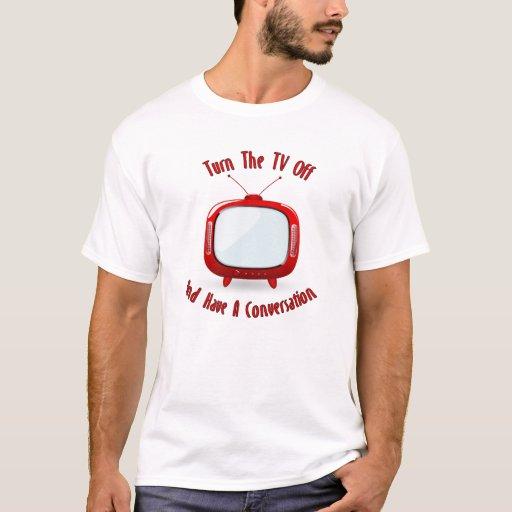 Dé vuelta a la TV apagado tienen camisetas de una