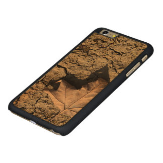 Dead Leaf on Dry Dirty Soil - Autumn Photography Carved Maple iPhone 6 Plus Slim Case