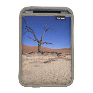 Dead Vlei, Sossusvlei, Namib-Naukluft National iPad Mini Sleeve