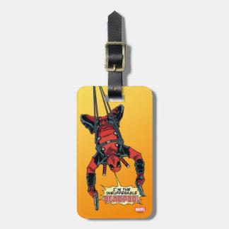 Deadpool que cuelga del arnés etiquetas para maletas