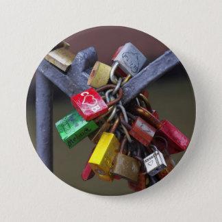 dear locks button