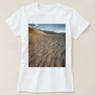 Death valley, desert natural sand dunes near devil T-Shirt