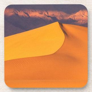 Death Valley en el amanecer. California Posavasos De Bebidas