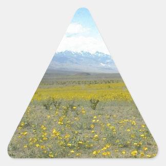 Death Valley en la floración Calcomanía Trianguloada