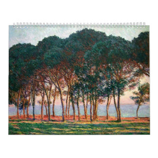 Debajo de los árboles de pino al final del día calendario