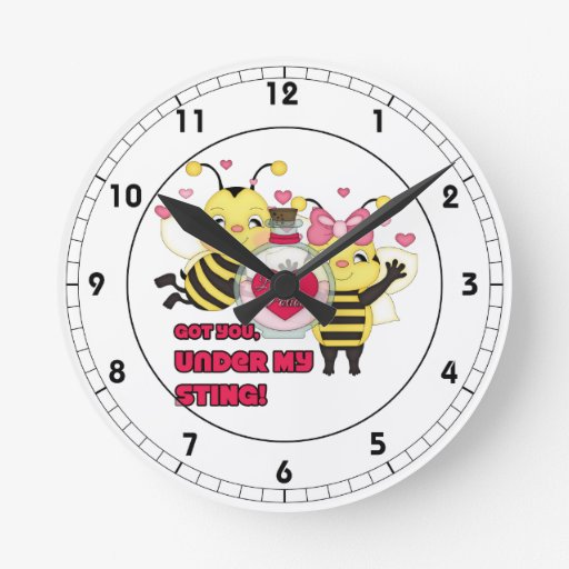 Debajo de mis abejas divertidas de la tarjeta del reloj