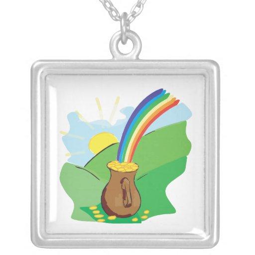 Debajo del arco iris collar personalizado