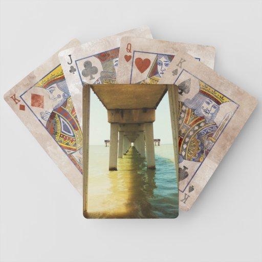 Debajo del embarcadero baraja cartas de poker