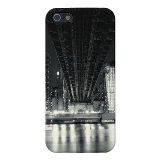 Debajo del puente de QueensBoro - NYC iPhone 5 Fundas
