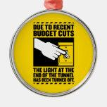 Debido a los recortes presupuestarios, la luz en e adornos de navidad
