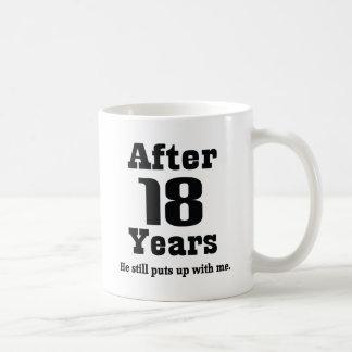 décimo octavo Aniversario (divertido) Taza