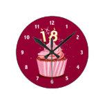 décimo octavo cumpleaños - magdalena rosada relojes de pared