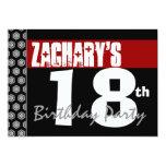 décimo octavo Cumpleaños moderno para él negro Invitación 12,7 X 17,8 Cm