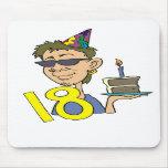 Décimo octavos regalos del cumpleaños del hombre j alfombrillas de ratones