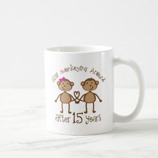 décimo quinto Regalos del aniversario de boda Taza Clásica