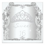 Décimosexto cumpleaños de la tiara del blanco del invitación personalizada