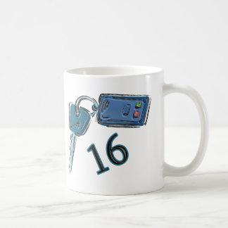 décimosexto El cumpleaños cierra los regalos Taza De Café