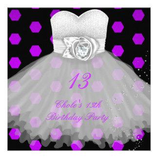 décimotercero Chicas marchosas 13 del cumpleaños a Anuncio
