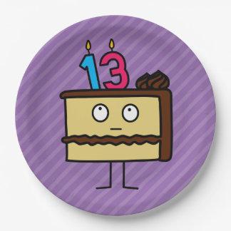 décimotercero Torta de cumpleaños con las velas Platos De Papel
