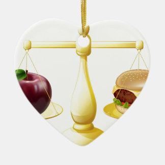 Decisión sana de las escalas de la consumición adorno de cerámica en forma de corazón