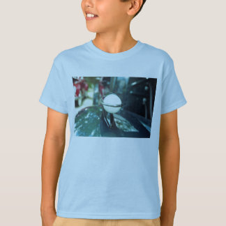Deco que aerodinamiza la camiseta del niño